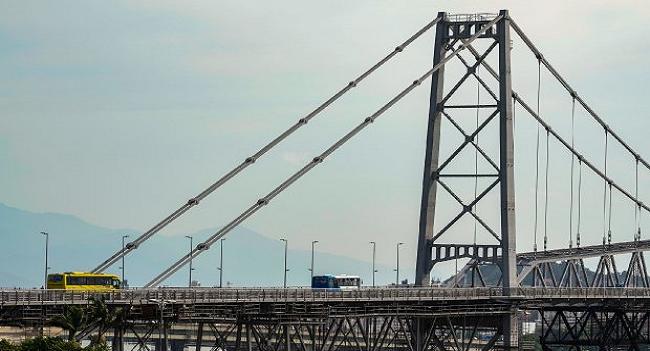 Carros voltarão a circular na Ponte Hercílio Luz, em Florianópolis