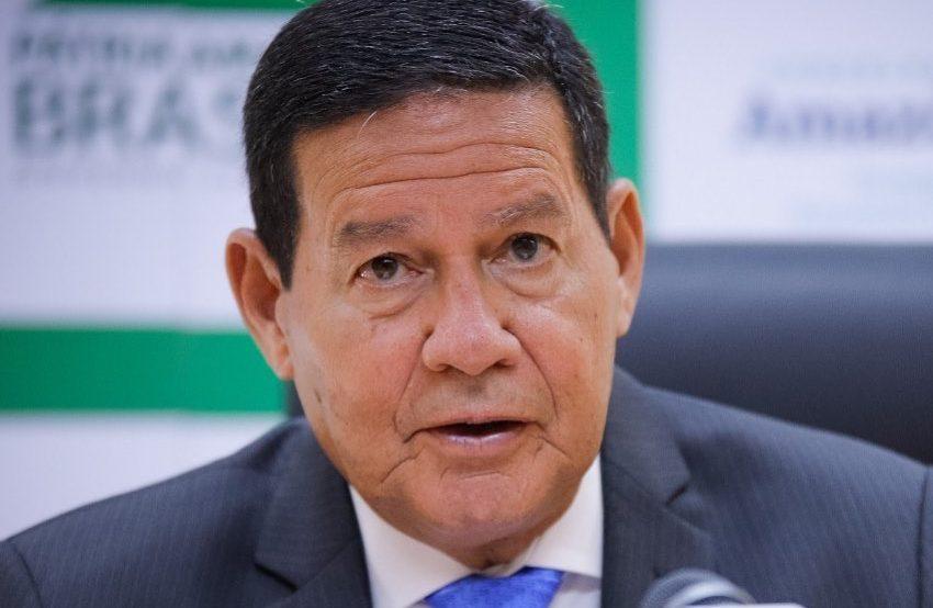 Mourão: teremos em breve vacina distribuída em todo Brasil, inclusive na Amazônia