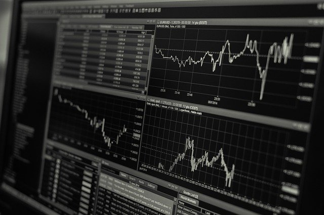 Economia brasileira cresceu durante segunda onda da Covid-19