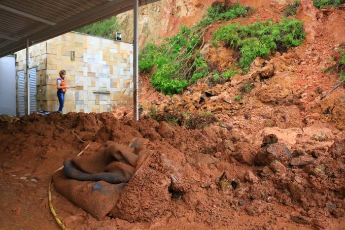 Três imóveis afetados por deslizamentos em Jaraguá do Sul passam por avaliação da Defesa Civil
