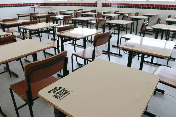 Alunos da rede estadual receberão até R$ 6 mil a cada ano de estudo completado