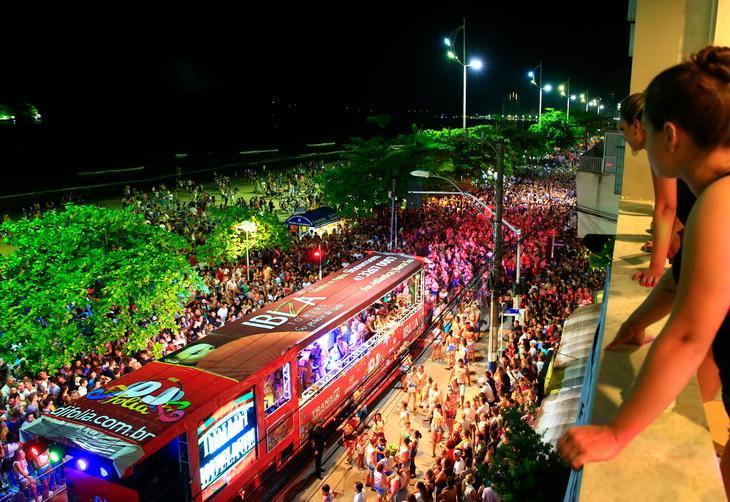 Justiça proíbe desfile de trio elétrico em Balneário Camboriú