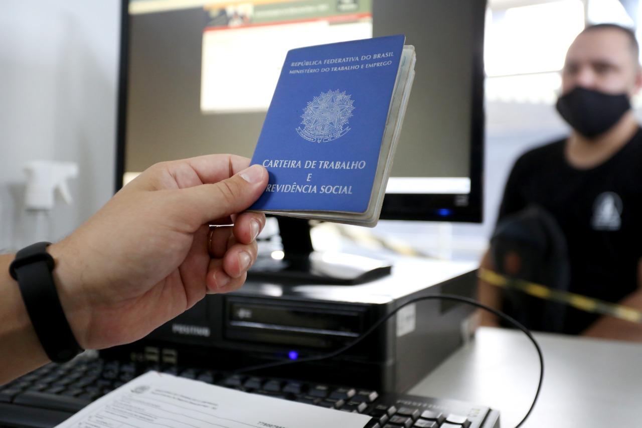 SC gera 126 mil empregos com carteira assinada no primeiro semestre