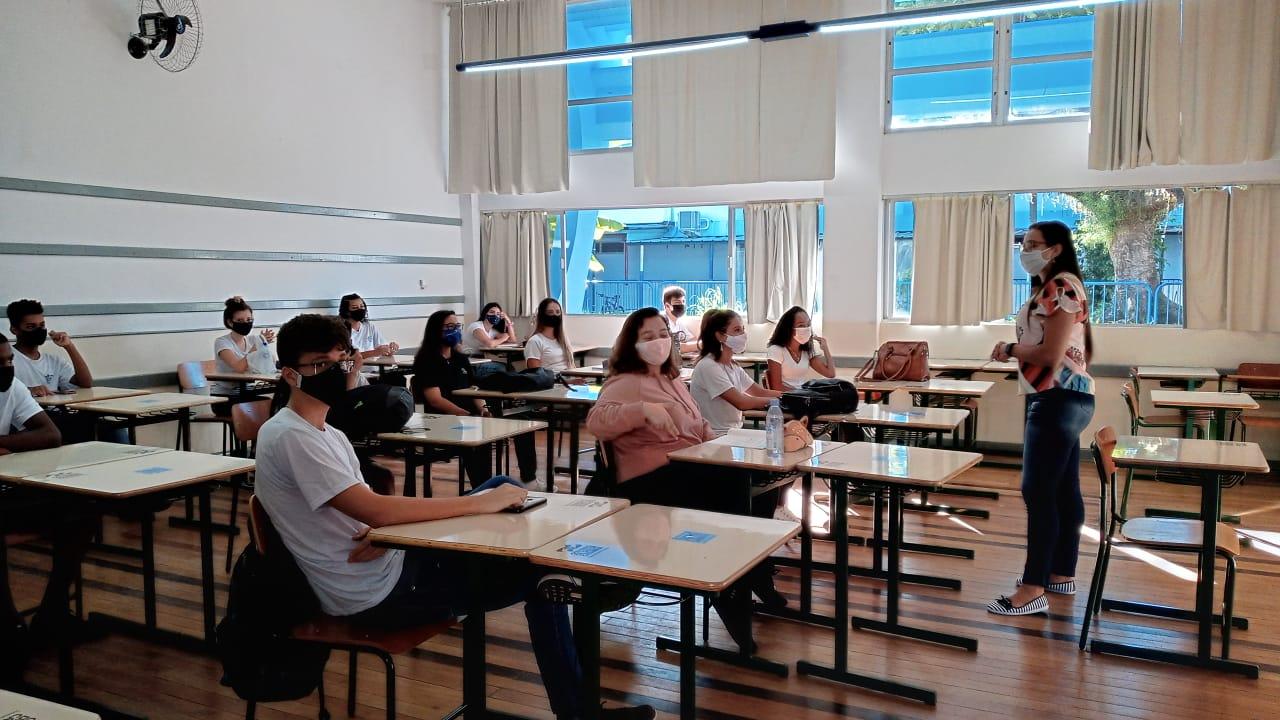 Após suspensão de decreto, aulas presenciais retornam em São José a partir de quinta-feira