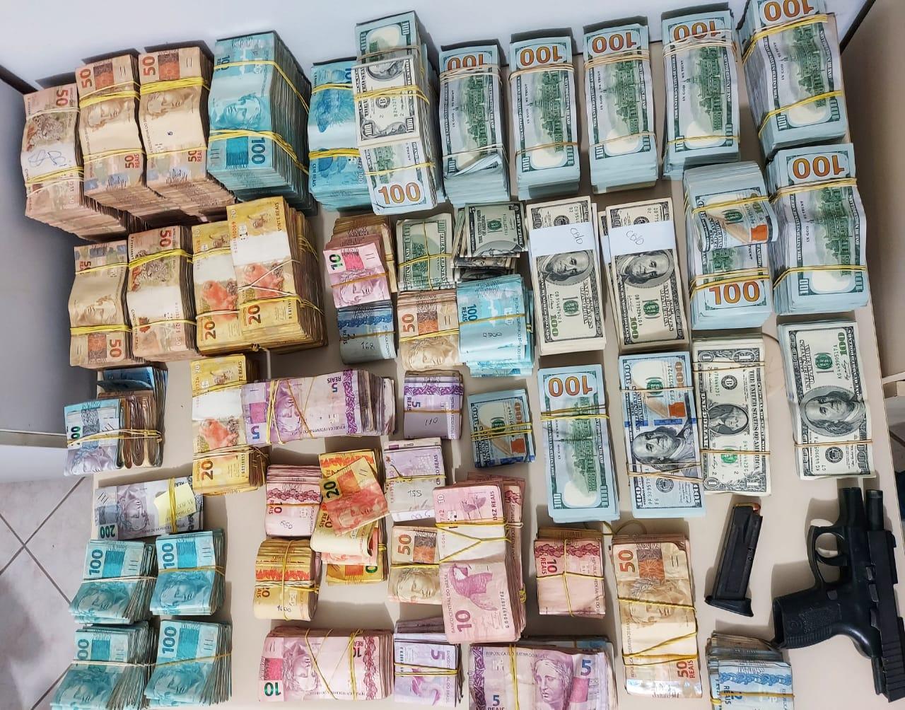 Apreensão de dinheiro em Porto Belo