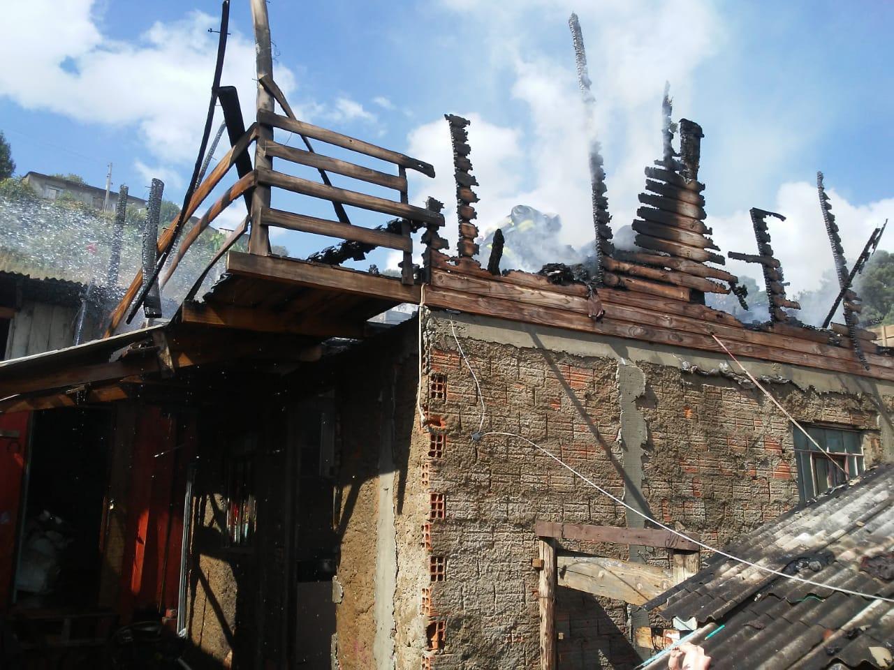 Casa onde três crianças morreram em Lages