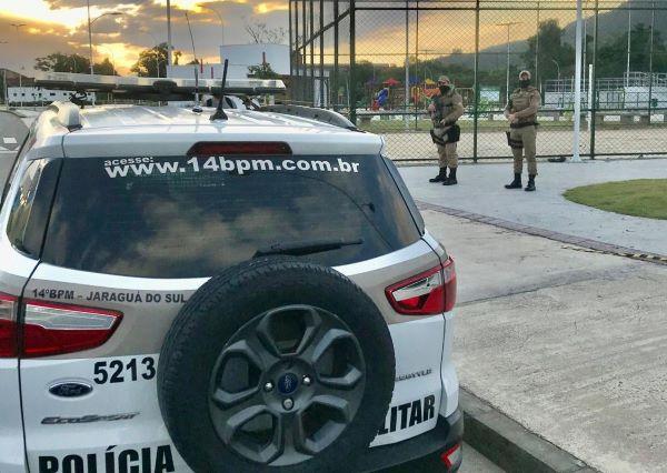 Jovem é detido após agredir homem autista no Jaraguá do Sul