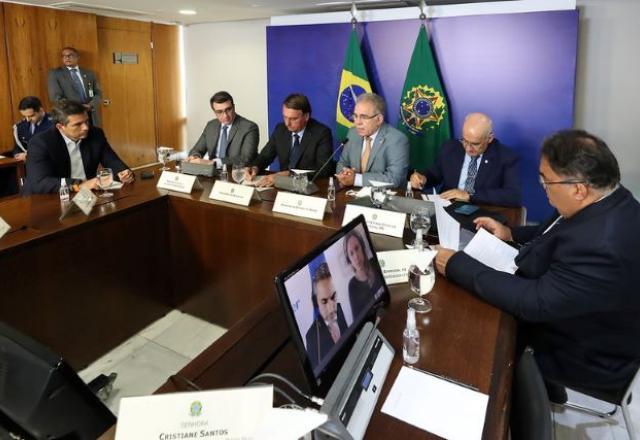 Pfizer e Ministério da Saúde começam a negociar 3º contrato de vacinas