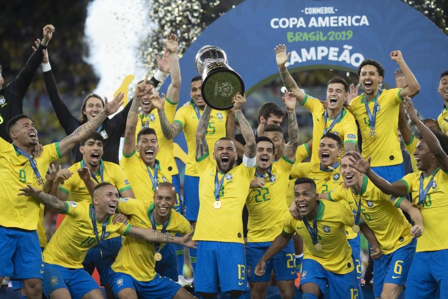 Jogadores da seleção decidem disputar Copa América no Brasil