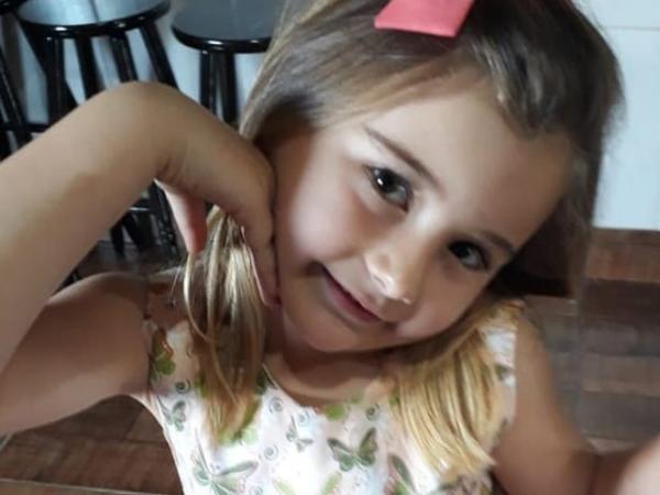 Morre menina atingida em acidente causado por caminhão sem freio