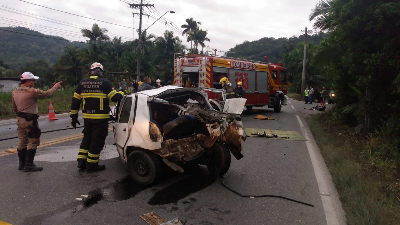 Identificado homem que morreu em acidente entre três veículos em Blumenau