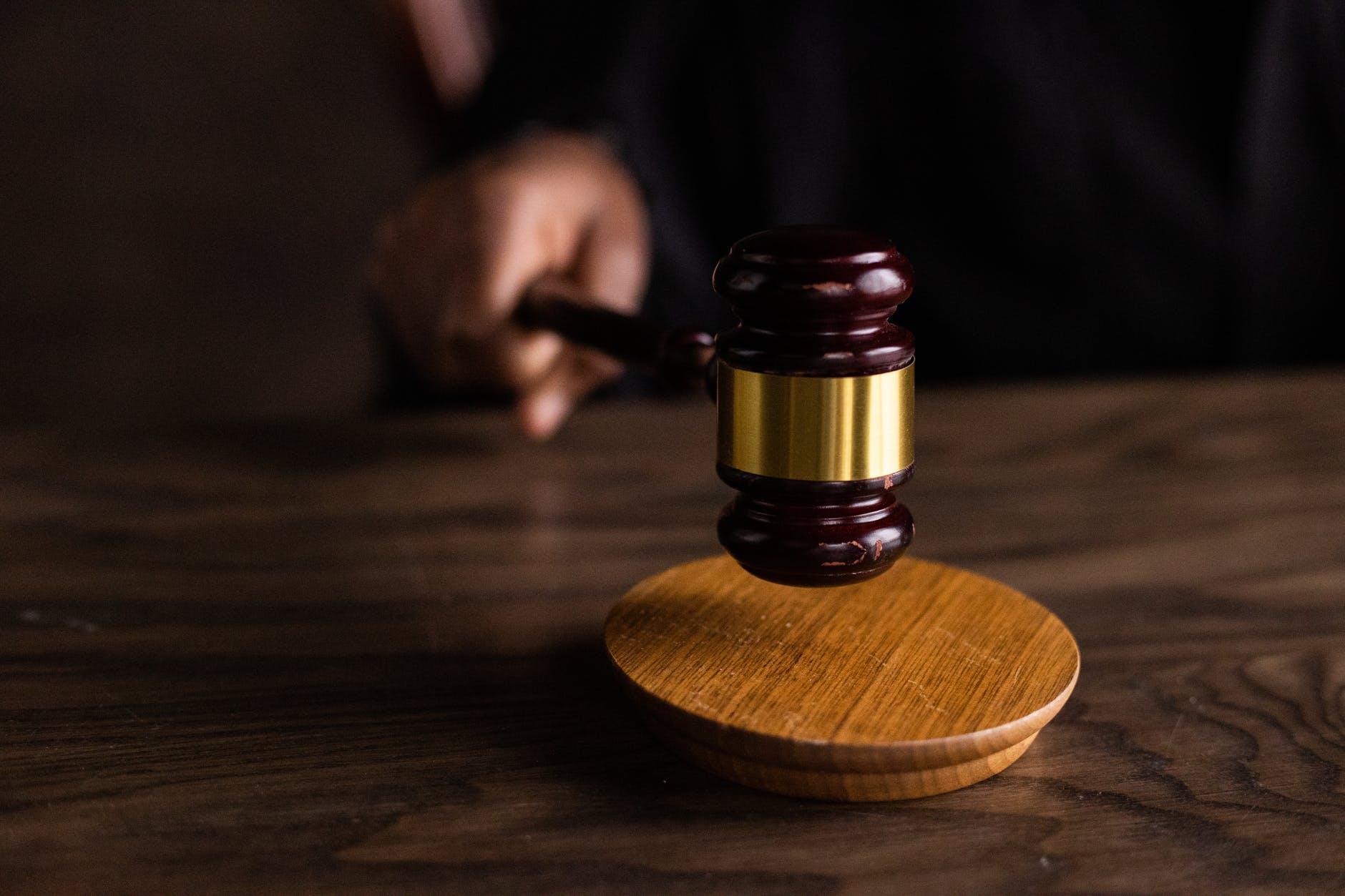 Homem que estuprou a irmã durante dez anos é condenado pela Justiça