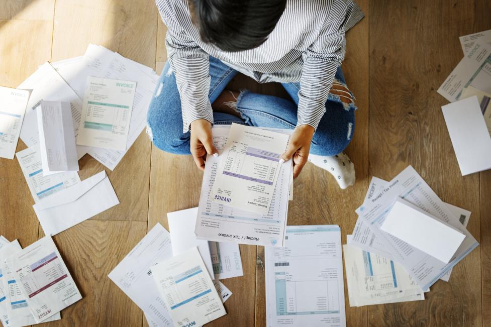 Você sabe a diferença entre endividamento e inadimplência?