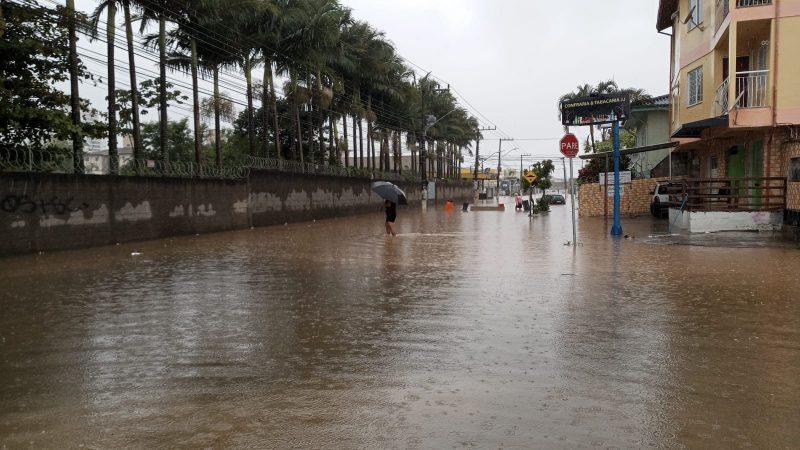 Palhoça registra deslizamento e pontos de alagamento após madrugada chuvosa_